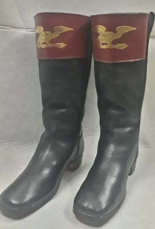 Gilt Embossed Red Top boot